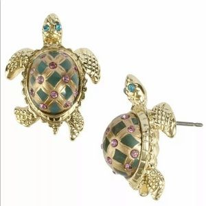 Betsey Johnson turtle earrings NIB